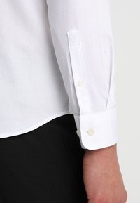 Selected Homme - SHXONETUX SLIM FIT - Košile - bright white - 5