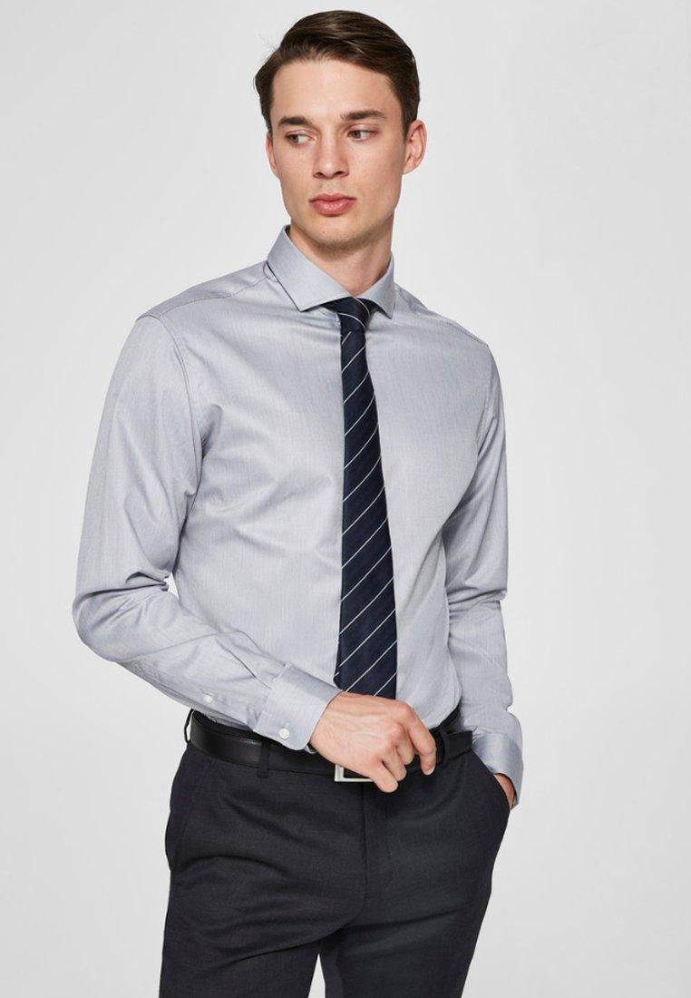 Selected Homme - PELLE - Formal shirt - grey