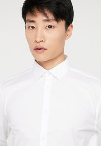Selected Homme - SLHSLIMBROOKLYN - Shirt - white - 3