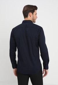 Selected Homme - SLHSLIMBROOKLYN - Koszula - navy blazer - 2