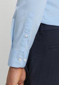 Selected Homme - SLHSLIMBROOKLYN - Zakelijk overhemd - light blue - 3