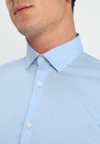 Selected Homme - SLHSLIMBROOKLYN - Zakelijk overhemd - light blue - 5