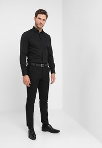 Selected Homme - SLHSLIMBROOKLYN - Koszula - black - 1