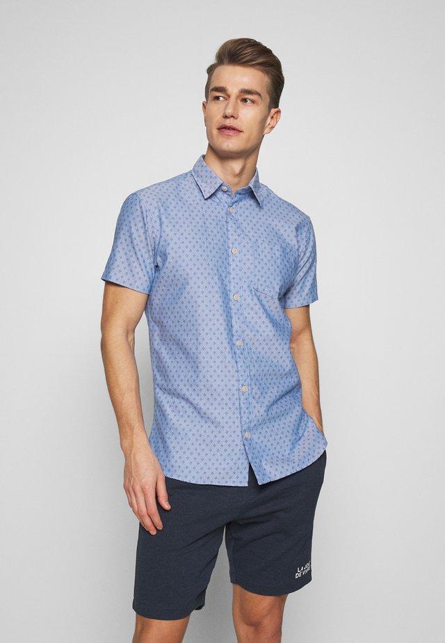 SLHSLIMMATTHEW - Skjorter - light blue