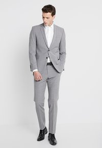 Selected Homme - SLHSLIMMARK-WASHED - Kostymskjorta - bright white - 1