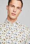 Selected Homme - SLHSLIMSEL WOODROW - Hemd - bright white