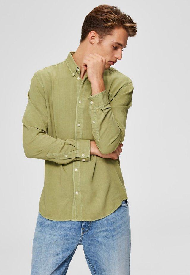 HEMD BUTTON-DOWN - Shirt - sage