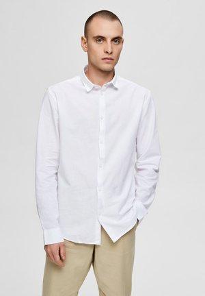 REGULAR FIT - Košile - white