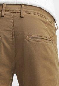 Selected Homme - SHHONE LUCA - Chino kalhoty - camel - 5