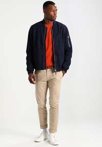 Selected Homme - SHHYARD SLIM FIT - Spodnie materiałowe - white pepper - 1