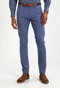 Selected Homme - SHHYARD - Pantalones chinos - vintage indigo - 0