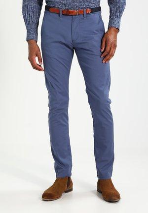 SHHYARD - Pantalones chinos - vintage indigo