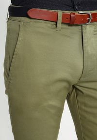 Selected Homme - SHHYARD - Chinot - olive branch - 3