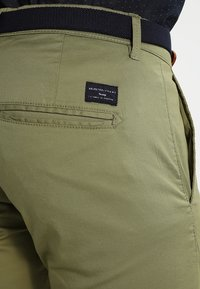 Selected Homme - SHHYARD - Chinot - olive branch - 4