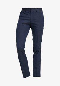 Selected Homme - SLHSLIM MATHNOHR TROUSER - Kalhoty - dark blue/blue - 4