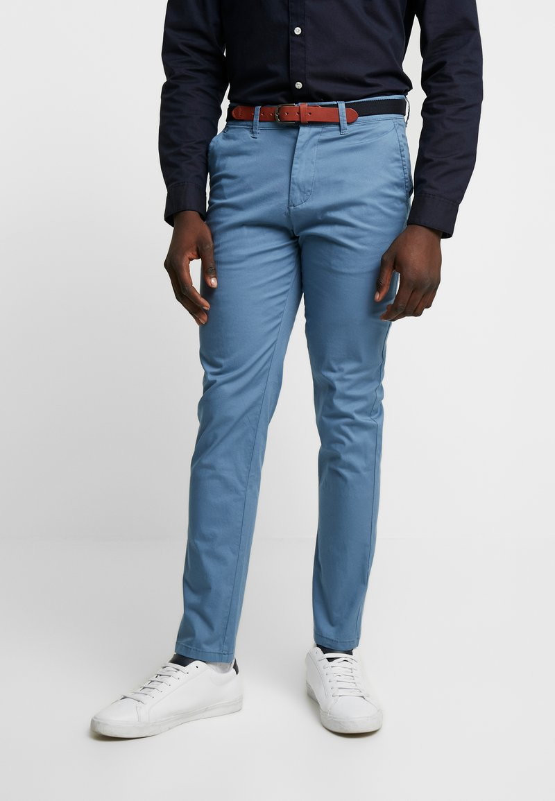 Selected Homme - SLHSLIM YARD PANTS - Pantalones chinos - captains blue