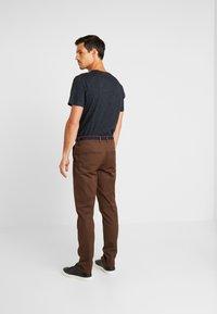 Selected Homme - SLHSLIM YARD PANTS - Chino kalhoty - demitasse - 2