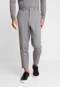 Selected Homme - SLHSLIMTAPERED NEWJERSEY CROP PANTS - Kalhoty - grey melange - 0