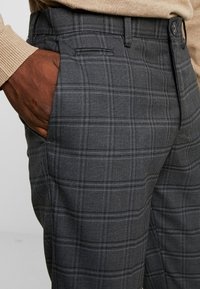 Selected Homme - SLHSLIM KENT PANTS - Pantalones - grey - 3