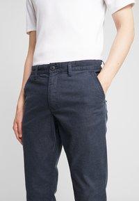 Selected Homme - SLHSLIM PARKER MIX PANTS  - Kalhoty - navy blazer - 5