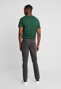 Selected Homme - SLHSLIM JAMERSON - Chinos - forged iron - 2