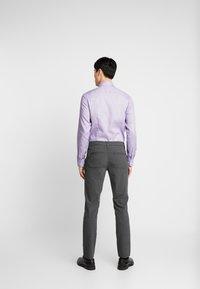 Selected Homme - SLHSLIM-STORM FLEX SMART PANTS - Kalhoty - grey melange - 2