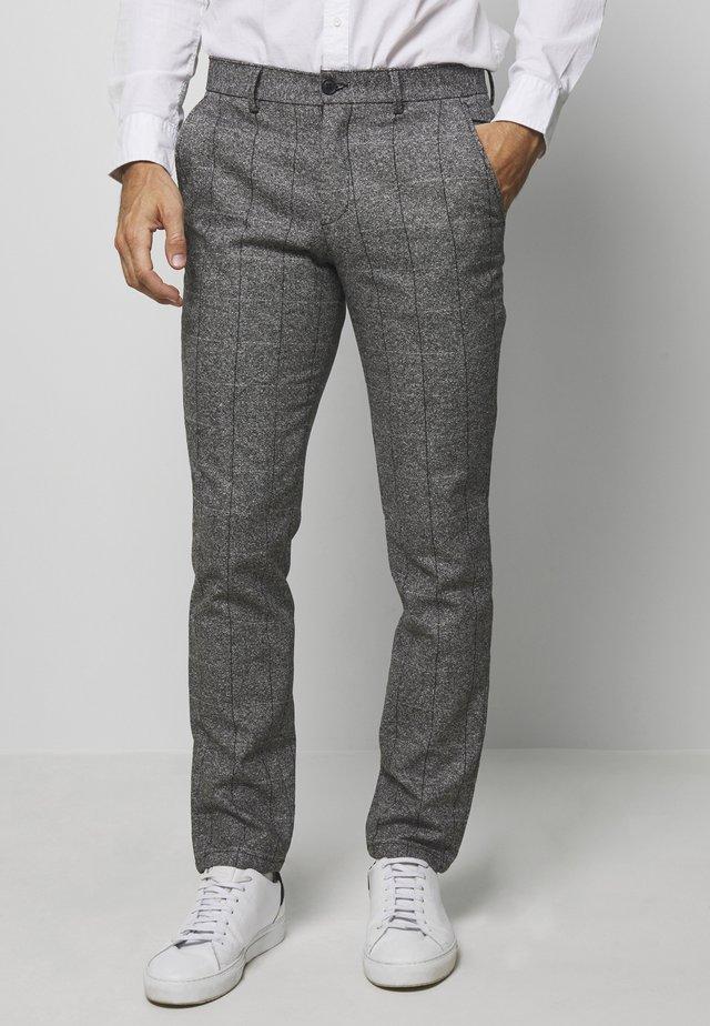 SLHSLIM-ROCCIA GREY STRIPE - Kalhoty - grey melange/black