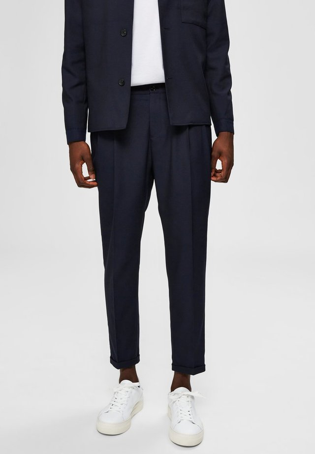 SELECTED HOMME ANZUGHOSE CROPPED - Trousers - navy blazer