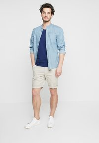 Selected Homme - SLHSTRAIGHT PARIS - Shorts - moonstruck - 1