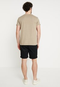 Selected Homme - SLHSTRAIGHT PARIS - Shorts - black - 2