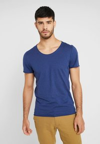 Selected Homme - SHNNEWMERCE O-NECK TEE - T-shirt basique - blue - 0