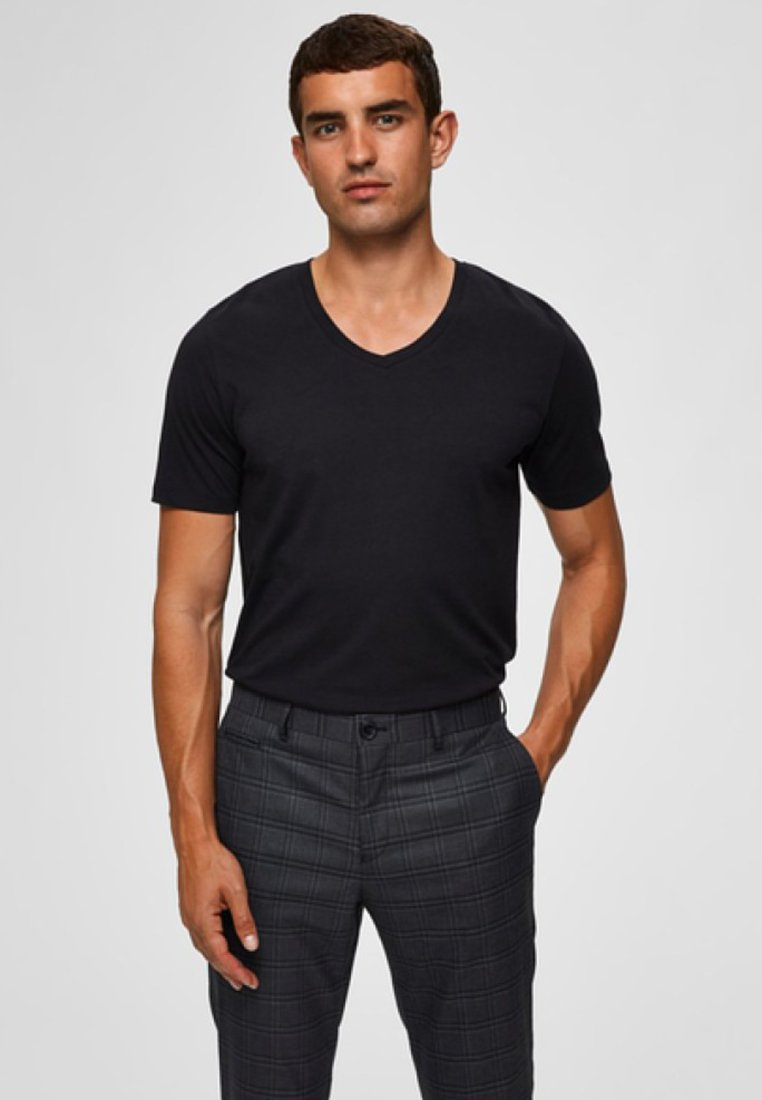 Selected Homme - AUSSCHNITT - Basic T-shirt - black