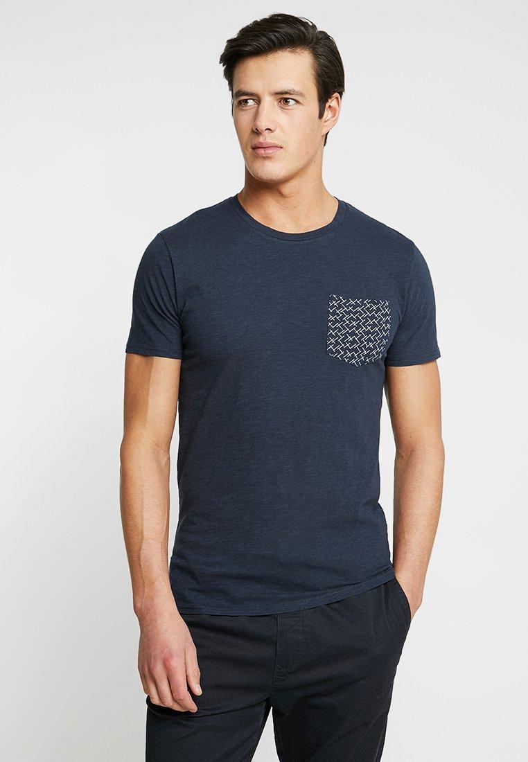 Selected Homme - SLHKRISTIAN  - Camiseta estampada - dark sapphire