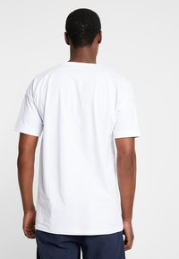 Selected Homme - SLHEMIL - T-shirt basic - bright white - 2