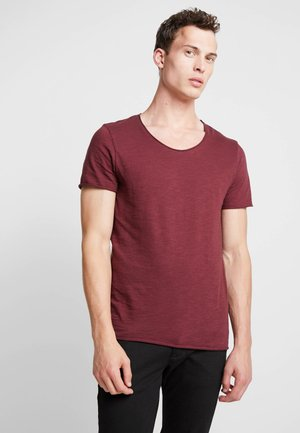SLHNEWMERCE STRIPE O-NECK TEE  - T-shirt imprimé - tawny port/dark sapphire