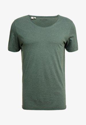 SLHNEWMERCE O-NECK TEE - T-shirt basic - cilantro/melange