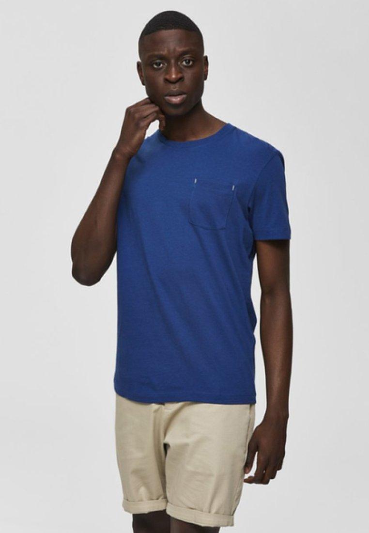 Selected Homme - REGULAR FIT - T-Shirt basic - estate blue