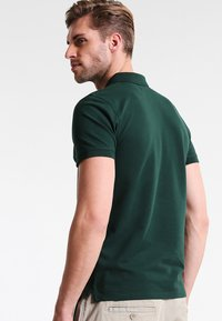 Selected Homme - SHDARO EMBROIDERY - Poloshirt - trekking green - 2