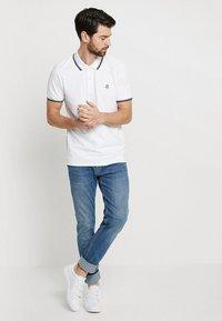 Selected Homme - SLHNEWSEASON - Pikeepaita - bright white - 1