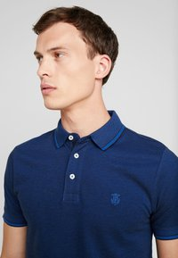 Selected Homme - SLHTWIST  - Poloshirts - limoges/black - 4