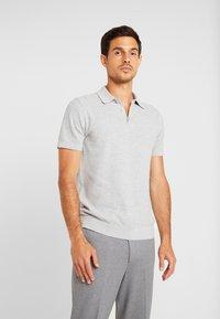 Selected Homme - SLHVIRGO NECK  - Polo shirt - light grey melange - 0