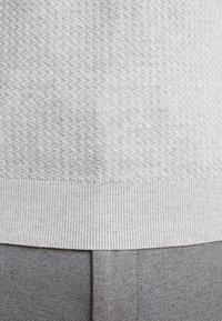 Selected Homme - SLHVIRGO NECK  - Polo shirt - light grey melange - 3