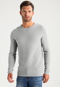 Selected Homme - SHHNEWDEAN CREW NECK - Stickad tröja - light grey melange - 0