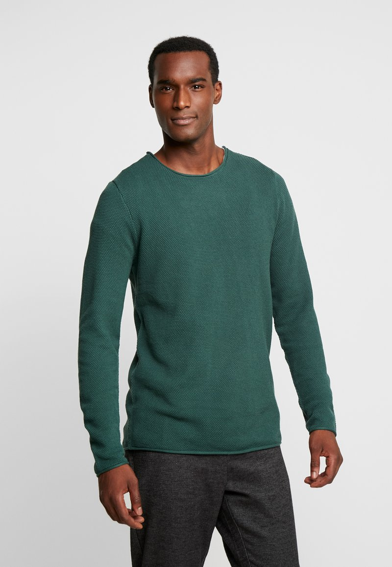 Selected Homme - SLHROCKY CREW NECK - Jersey de punto - forest biome