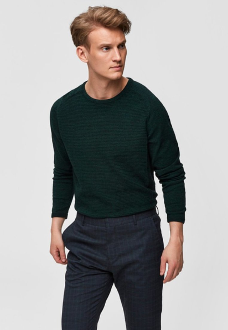 Selected Homme - SLHBAKES CREW NECK - Trui - dark green