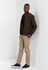 Selected Homme - SLHTOWER VNECK - Stickad tröja - black - 1