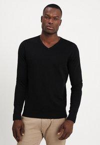 Selected Homme - SLHTOWER VNECK - Stickad tröja - black - 0