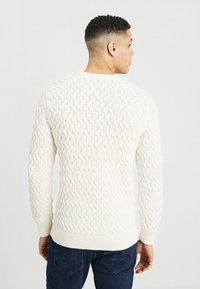 Selected Homme - SLHCHARLES CABLE BLOCKING - Stickad tröja - marshmallow - 2