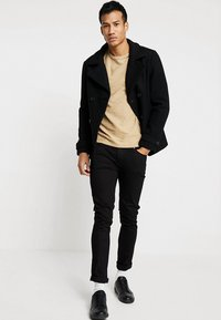 Selected Homme - SLHNEWACIDS CREW NECK - Trui - cornstalk - 1