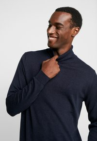 Selected Homme - SLHTOWER ROLL NECK  - Pullover - dark sapphire/melange - 4